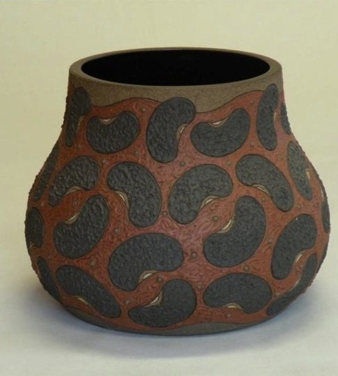 Guadalupe Robinson  (Huntsville, Alabama, b. 1954)  Bean Pot V, 2008 Stoneware clay  10H x 11.5W x 11.5D inches