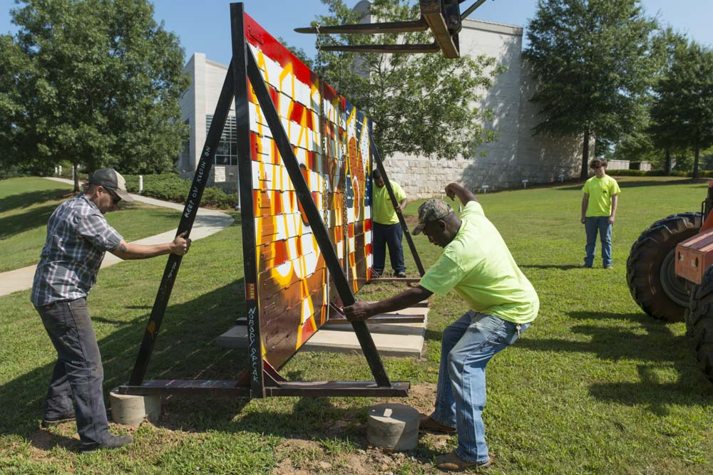 Ira Hill installs American Expressions