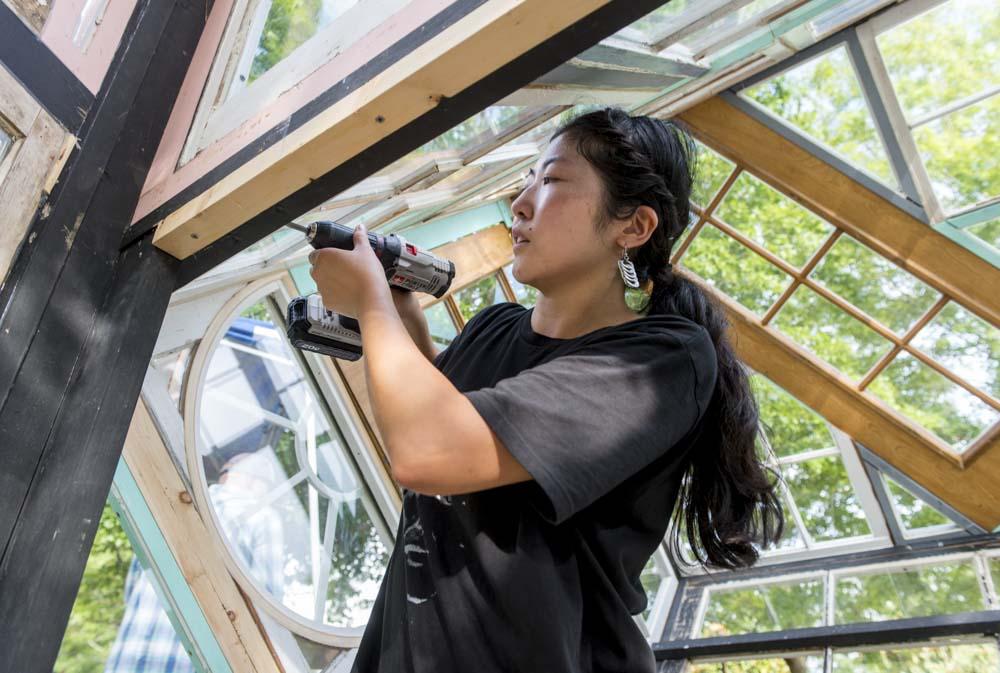 Fumi Amano from Washington installing Voice