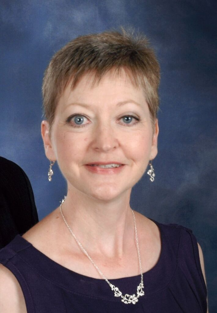 Headshot of Pianist Dawn Driggers.