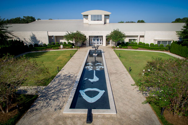 Floating Identity in Auburn Hye Yeon Nam Jule Collins Smith Museum of Fine Art at Auburn University Auburn, Alabama (2017)