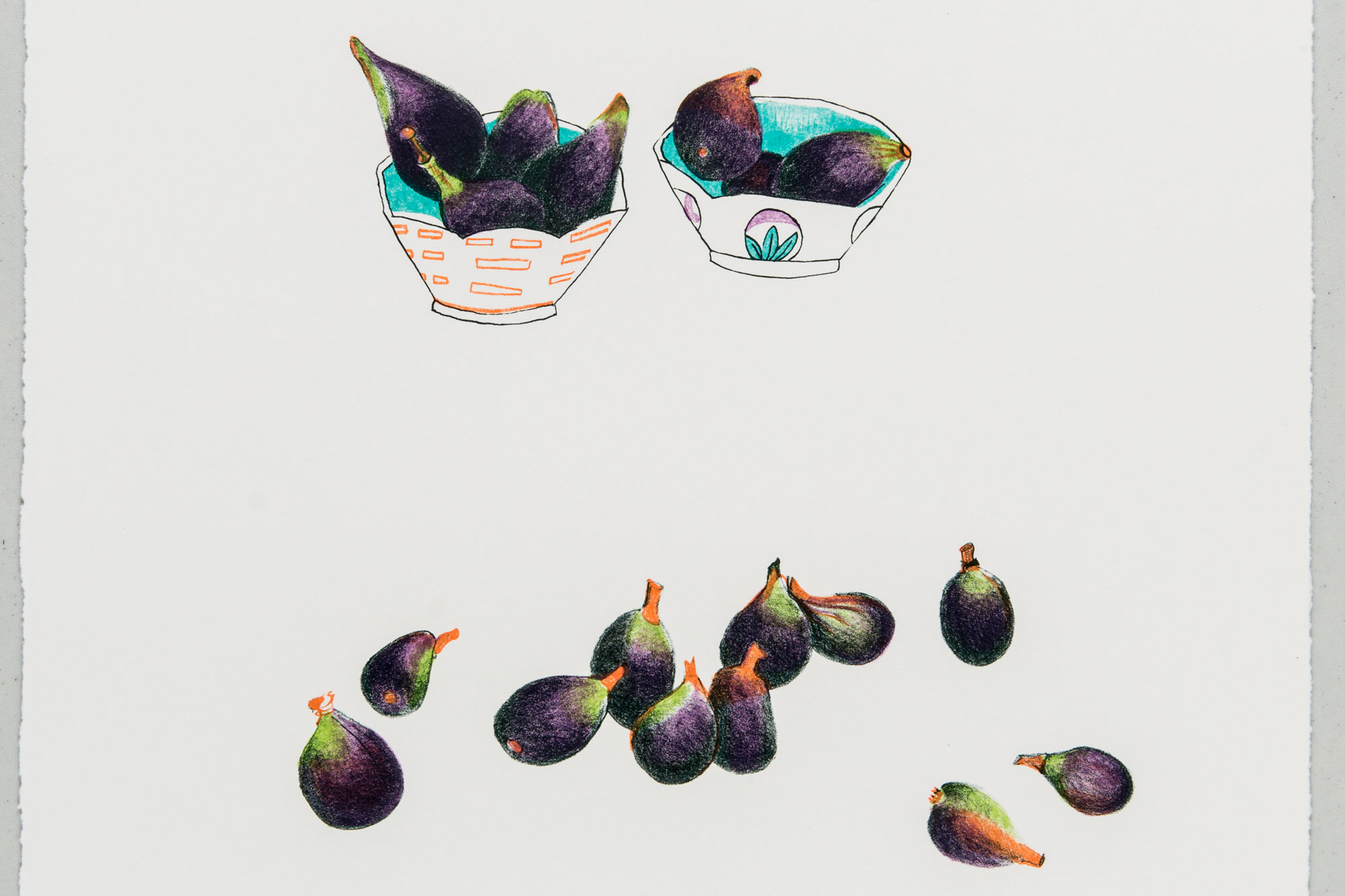 Two bowls of figs, with loose figs.